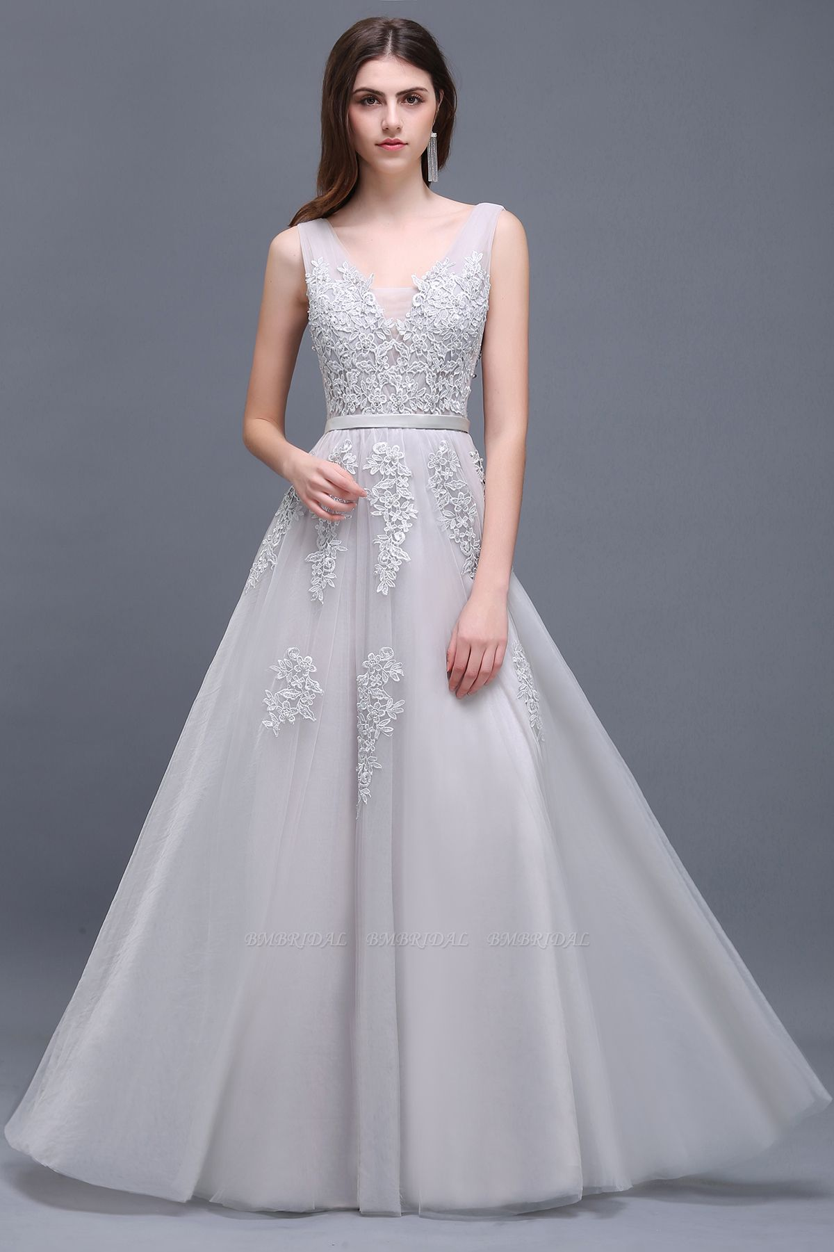 BMbirdal Gorgeous V-Neck Sleeveless Prom Dress With Lace Appliques