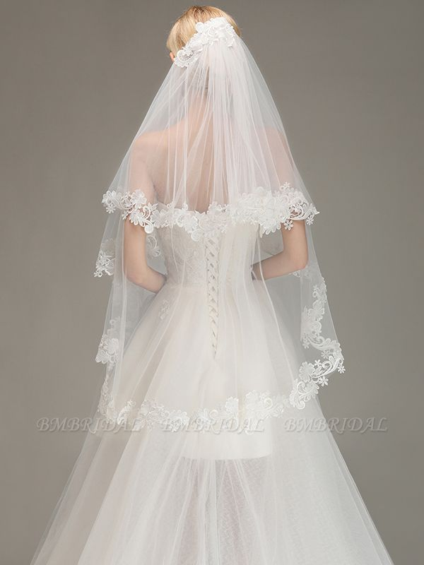 Lace Edge Wedding Veil with Comb Two Layers Tulle Bridal Veil