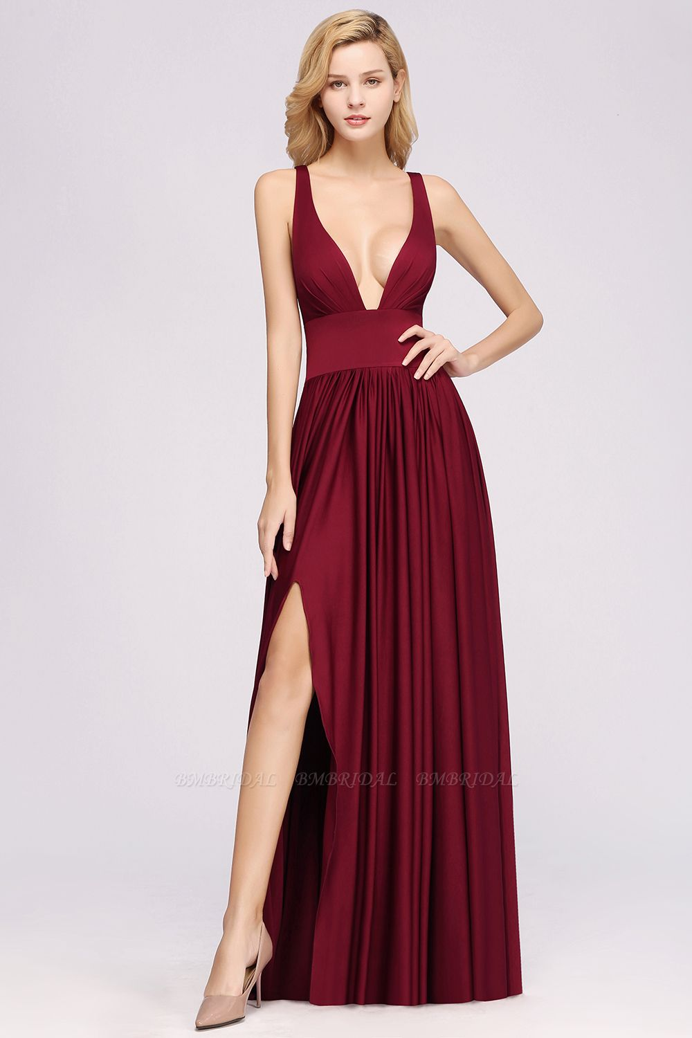 Sexy Deep V-Neck Sleeveless Bridesmaid Dress Burgundy Chiffon Wedding Party Dress
