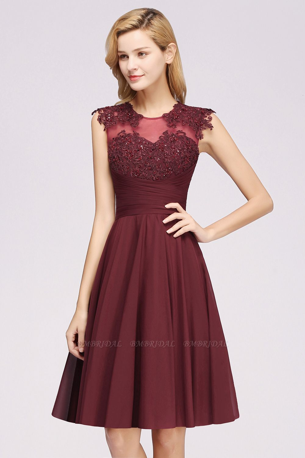 Cute Chiffon Round Neck Short Burgundy Bridesmaid Dresses with Appliques