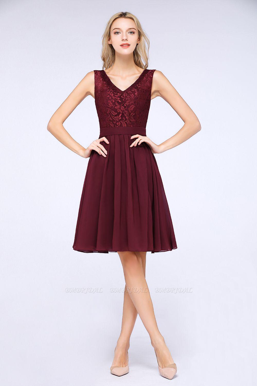 Elegant Lace V-Neck Short Burgundy Chiffon Bridesmaid Dress with Ruffle