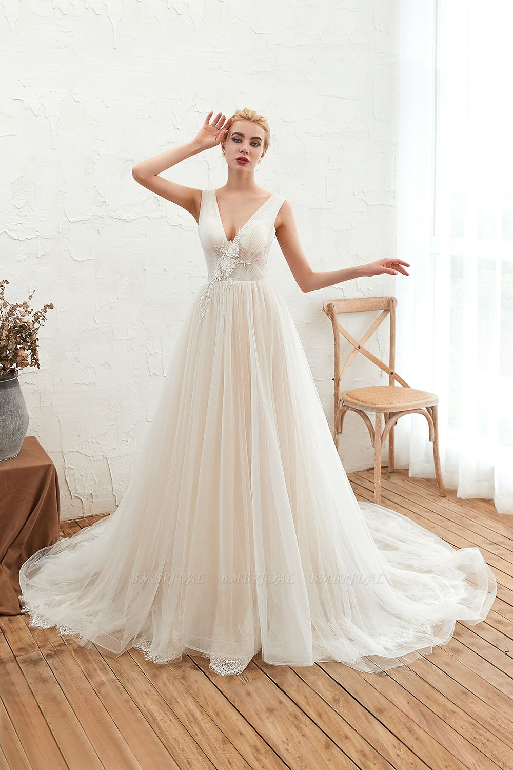 Affordable Tulle V-Neck Ruffle Long Wedding Dress with Appliques