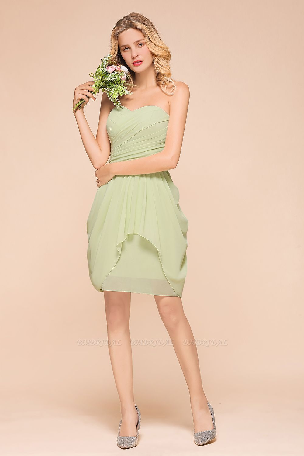 BMbridal Chic Chiffon Sweetheart Short Bridesmaid Dresses with Ruffle
