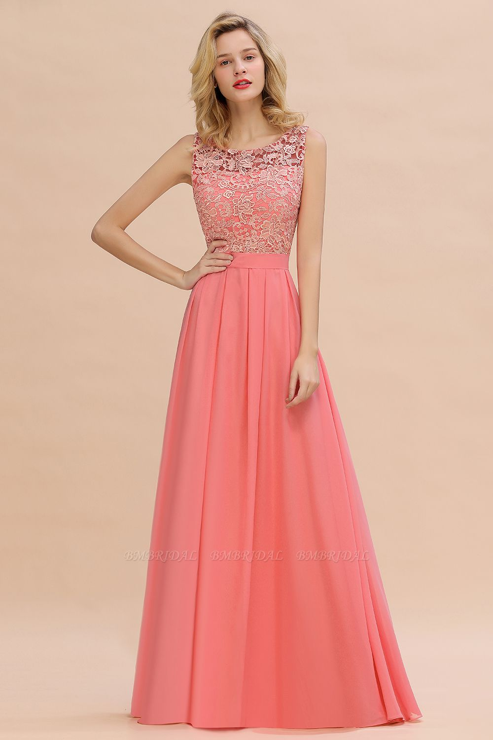 Exquisite Lace Scoop Sleeveless Bridesmaid Dresses Online with Ruffle