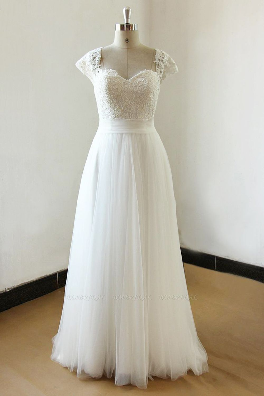BMbridal Affordable Straps White Tulle Wedding Dress Appliques Lace A-line Bridal Gowns On Sale