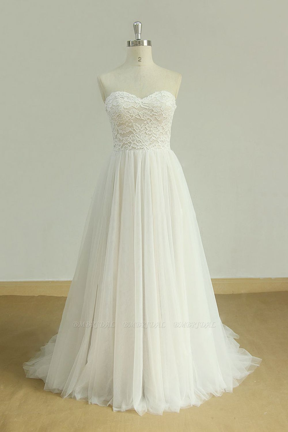 Sexy Sweetheart White Tulle Wedding Dress Lace A-line Ruffles Bridal Gowns On Sale
