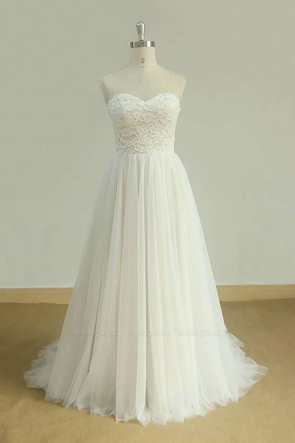 Chic Sweetheart Lace Wedding Dress White Tulle Ruffles Bridal Gowns On Sale