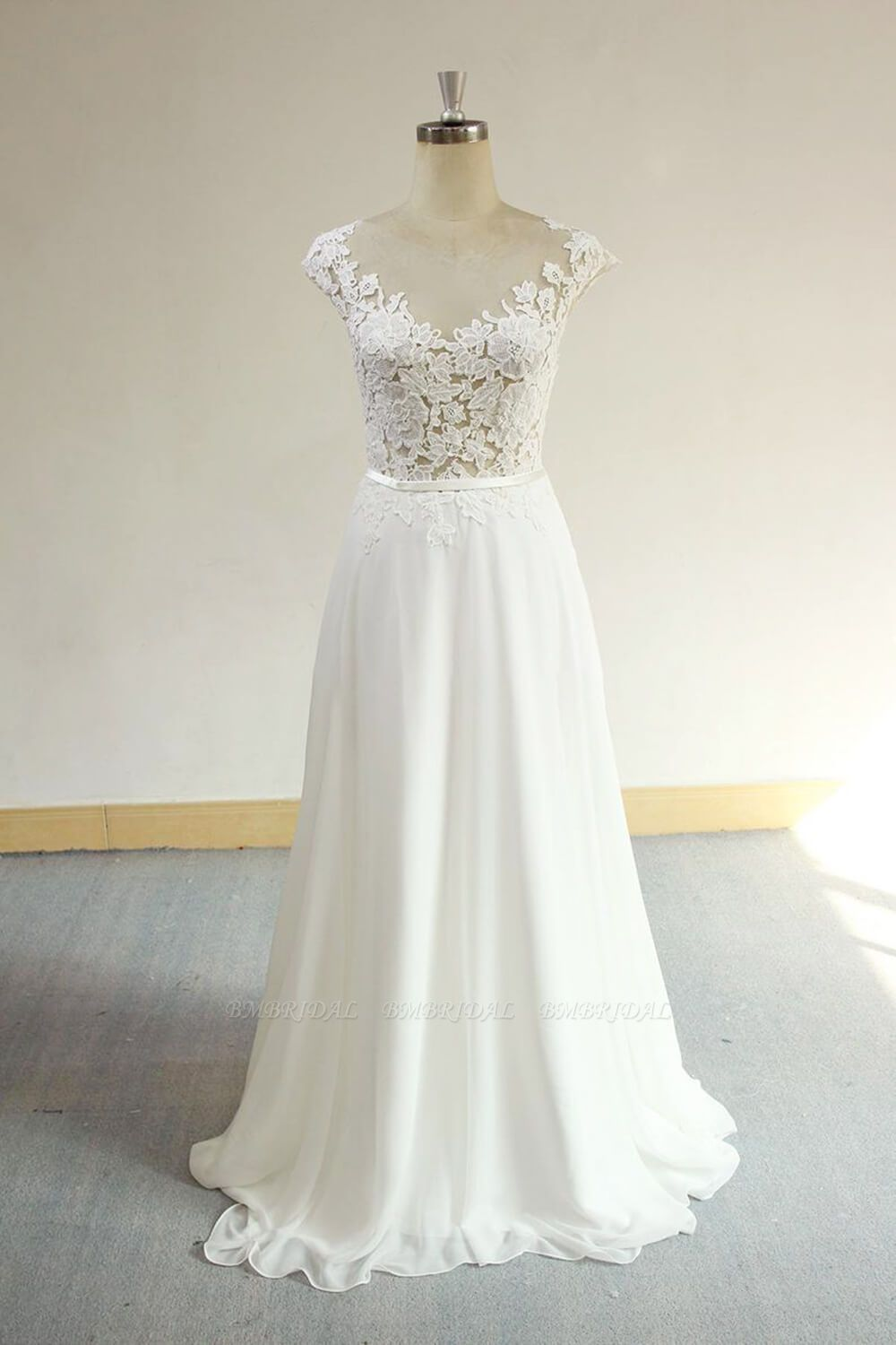 BMbridal Sexy V-neck Appliques Sleeveless Wedding Dress A-line Chiffon White Bridal Gown On Sale
