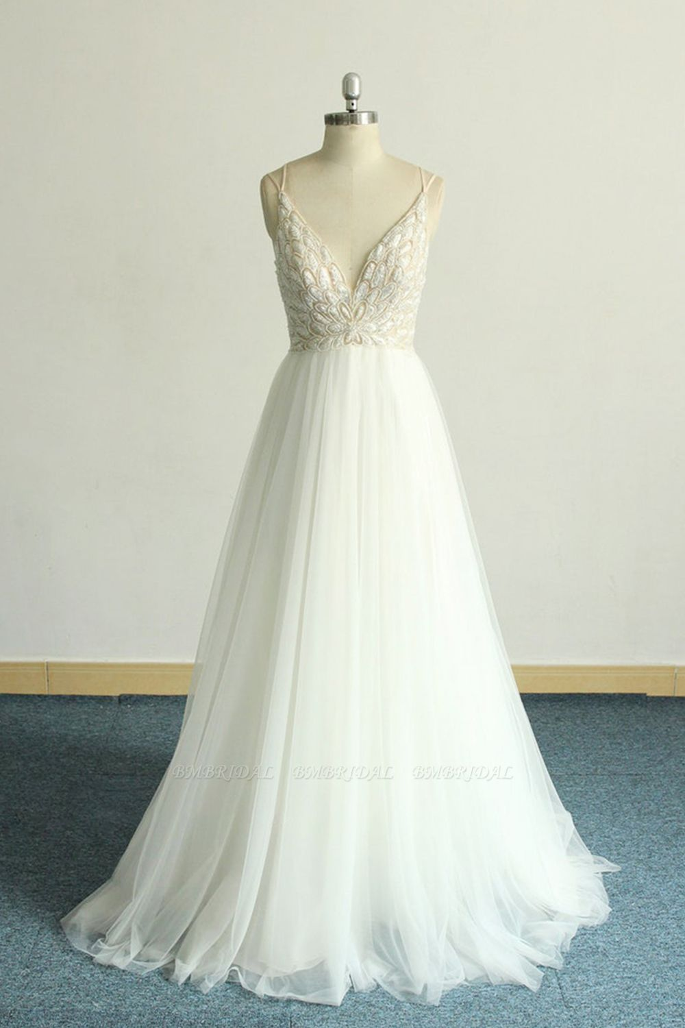 BMbridal Gorgeous A-line White Lace Tulle Wedding Dress Sleeveless Appliques Bridal Gowns On Sale