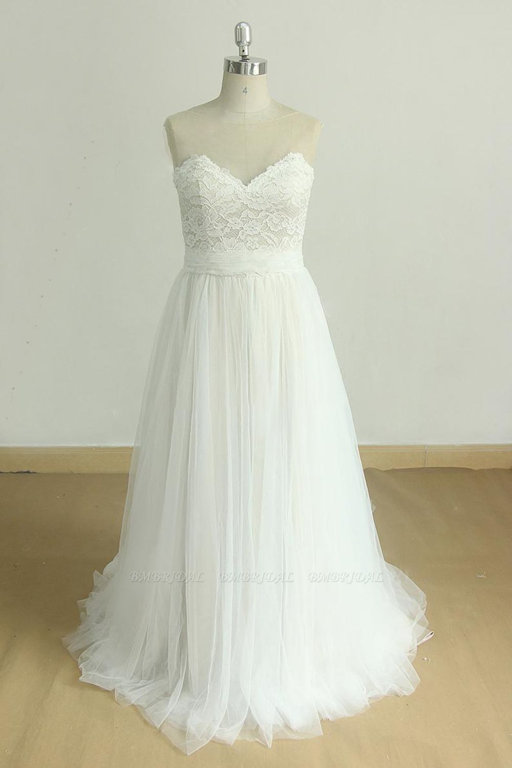 BMbridal Chic Sweetheart Lace Wedding Dress A-line White Tulle Bridal Gowns On Sale