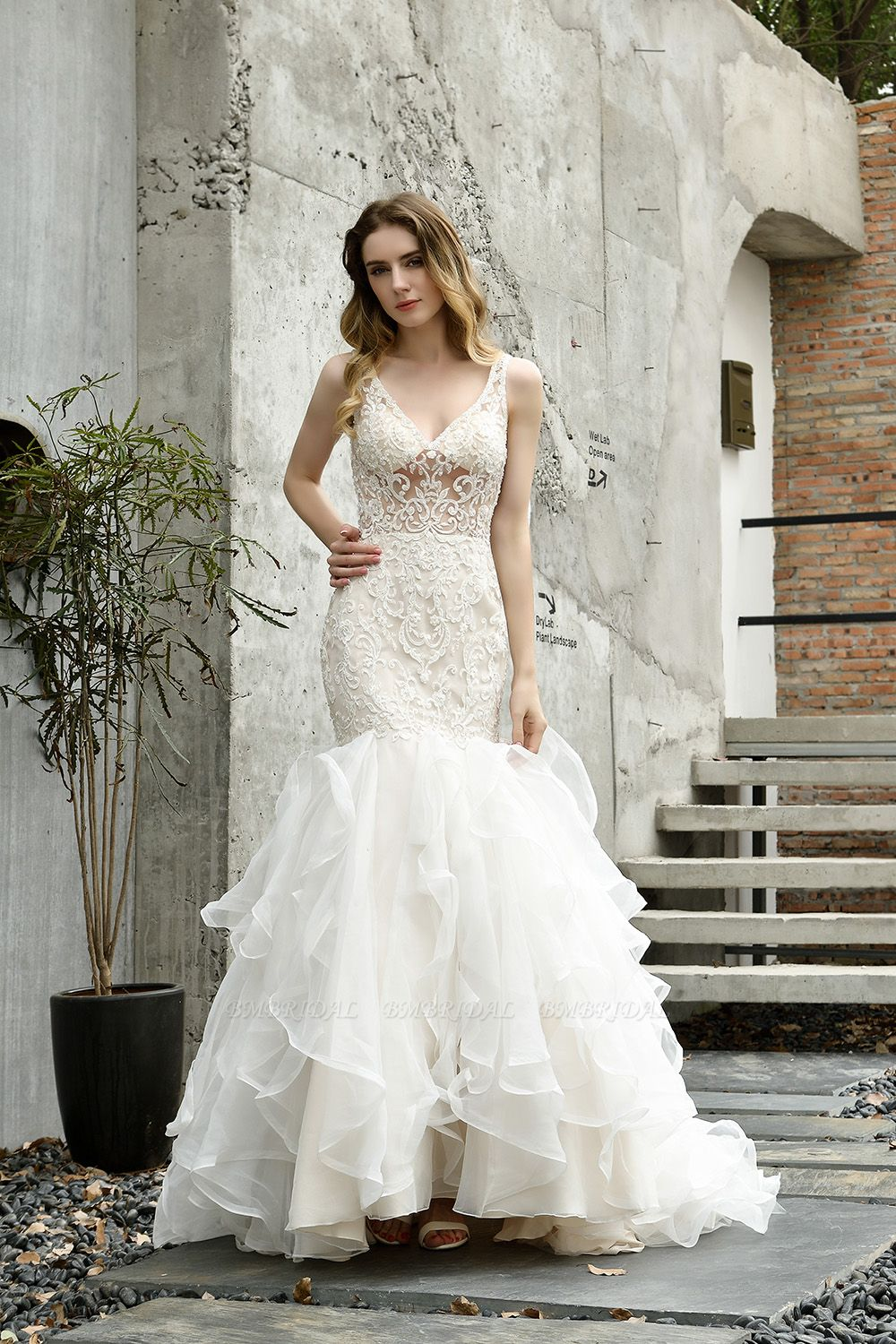 BMbridal Elegant Mermaid Tulle Lace White Wedding Dresses with Appliques