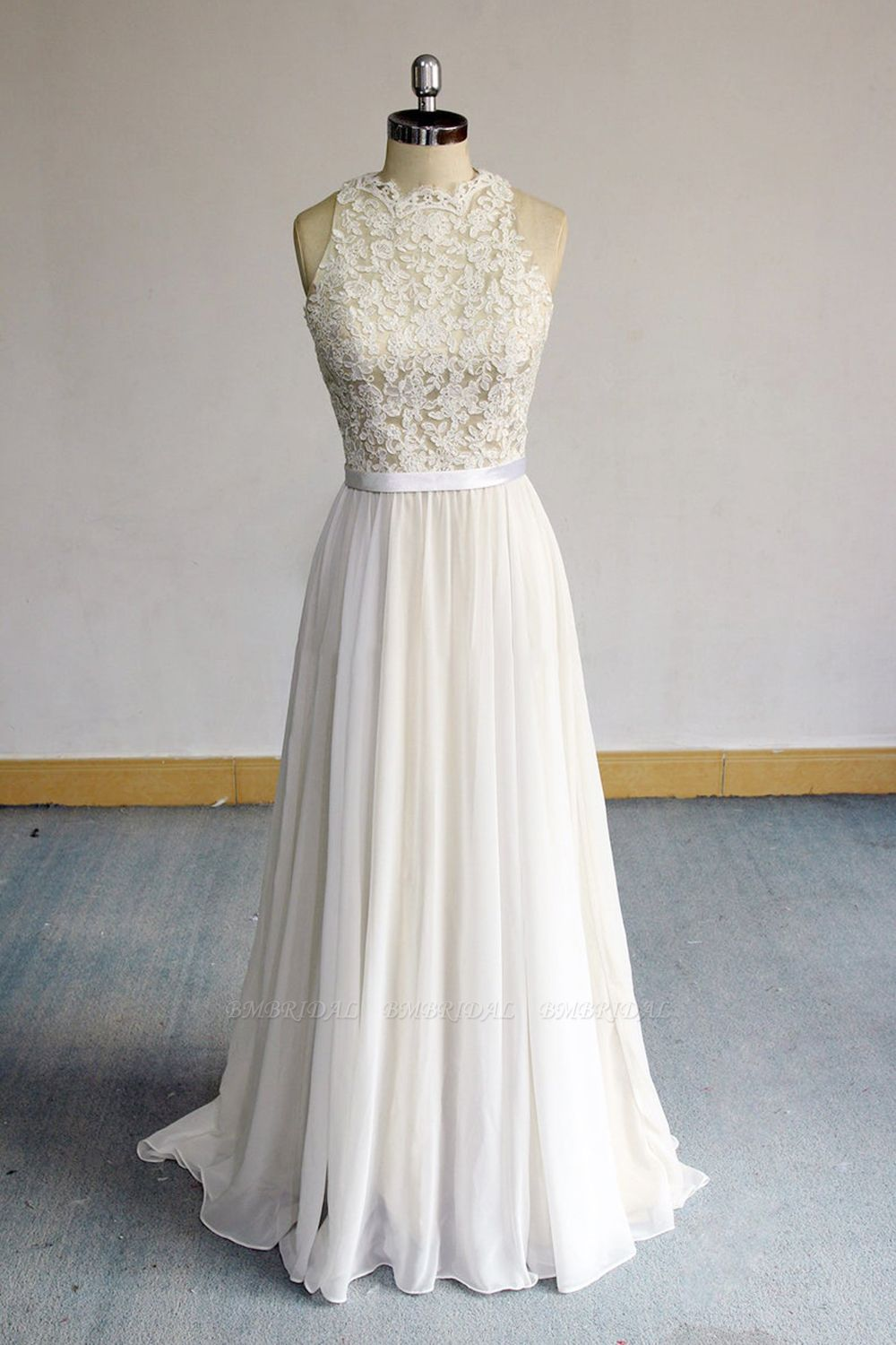 BMbridal Glamorous White Appliques Chiffon Wedding Dress Sleeveless Ruffles A-line Bridal Gowns On Sale