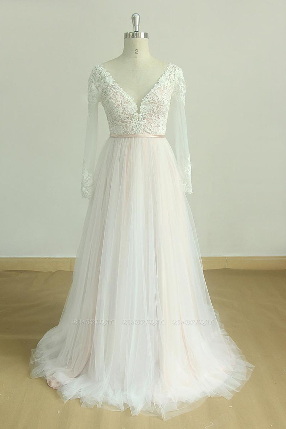 Stylish Longsleeves V-neck Tulle Wedding Dress White Appliques A-line Bridal Gowns On Sale