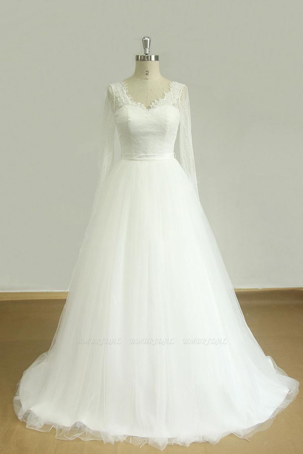 Affordable A-line White Lace Tulle Wedding Dress Longsleeves V-neck Bridal Gowns On Sale