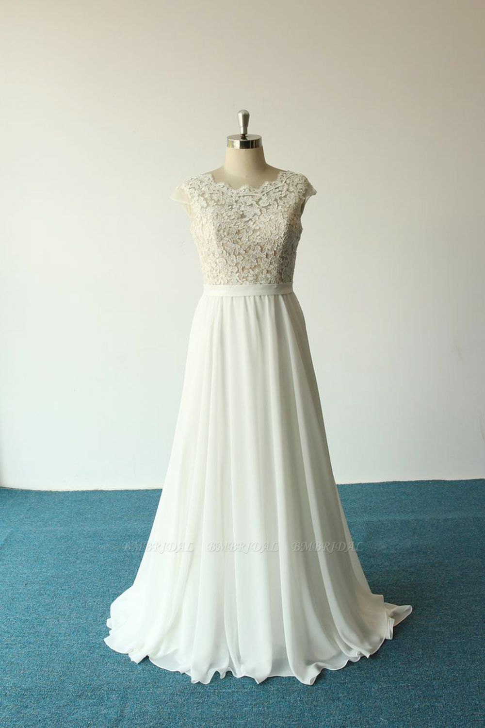 Elegant A-line White Chiffon Wedding Dress Sleeveless Appliques Bridal Gowns On Sale