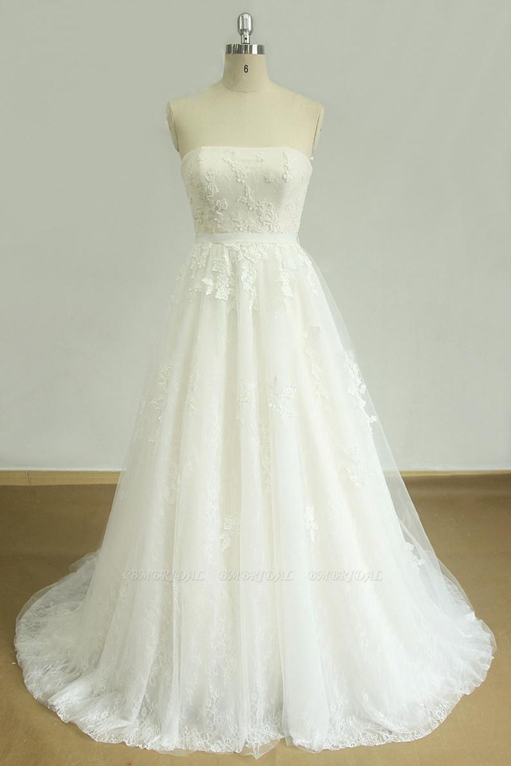 Elegant Strapless Lace Tulle Wedding Dress Appliques White A-line Bridal Gowns On Sale