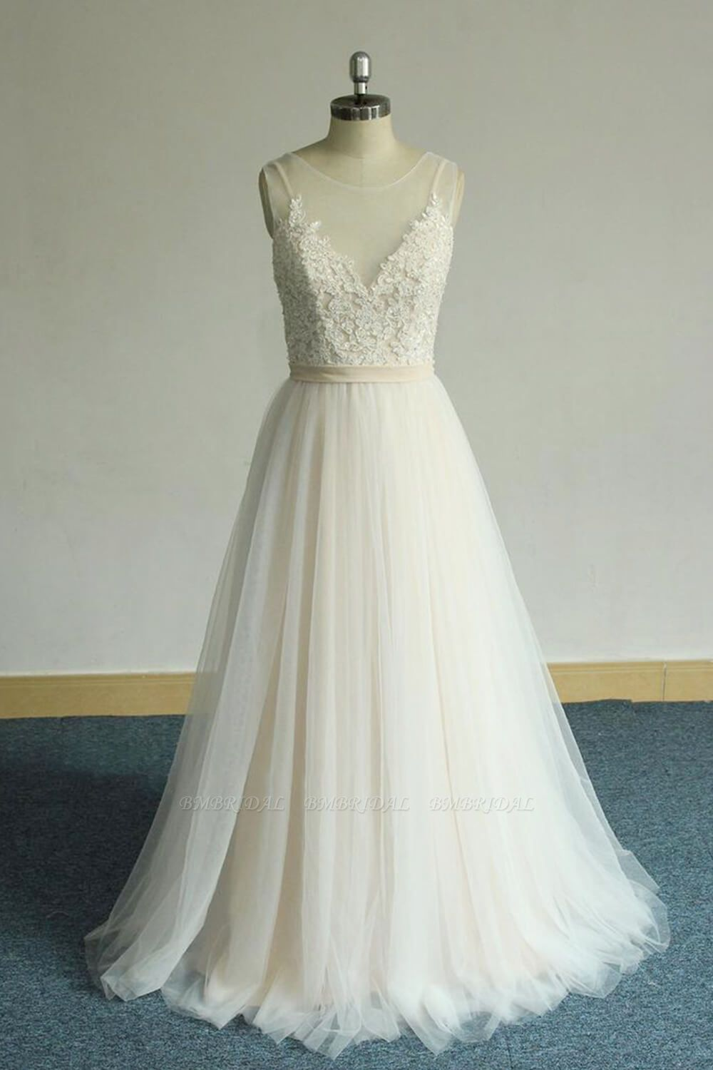 BMbridal Chic Straps Sleeveless Appliques Wedding Dress A-line Tulle White Bridal Gowns On Sale