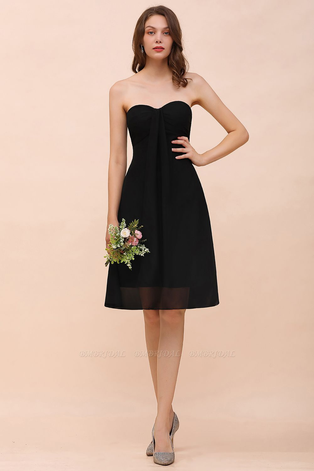 Lovely Strapless Sweetheart Ruffle Short Black Bridesmaid Dress Affordable