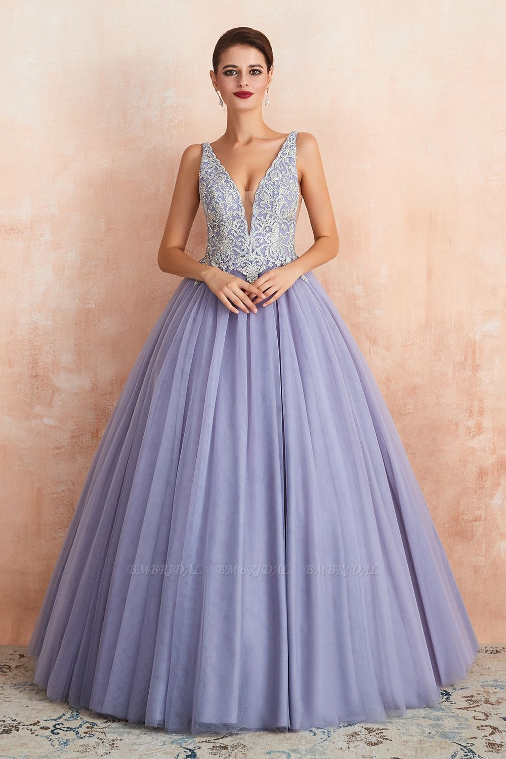 Gorgeous Lavender Lace Prom Dress V-Neck Ball Gown Tulle Formal Wears