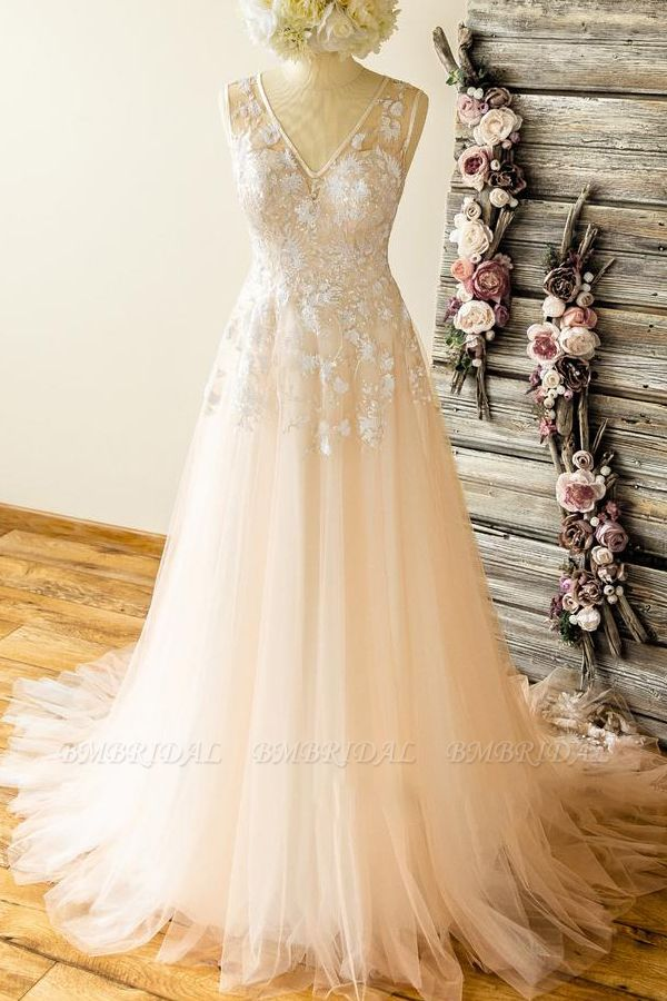 Affordable Straps V-neck Champagne Wedding Dresses A-line Applique Tuelle Bridal Gowns On Sale