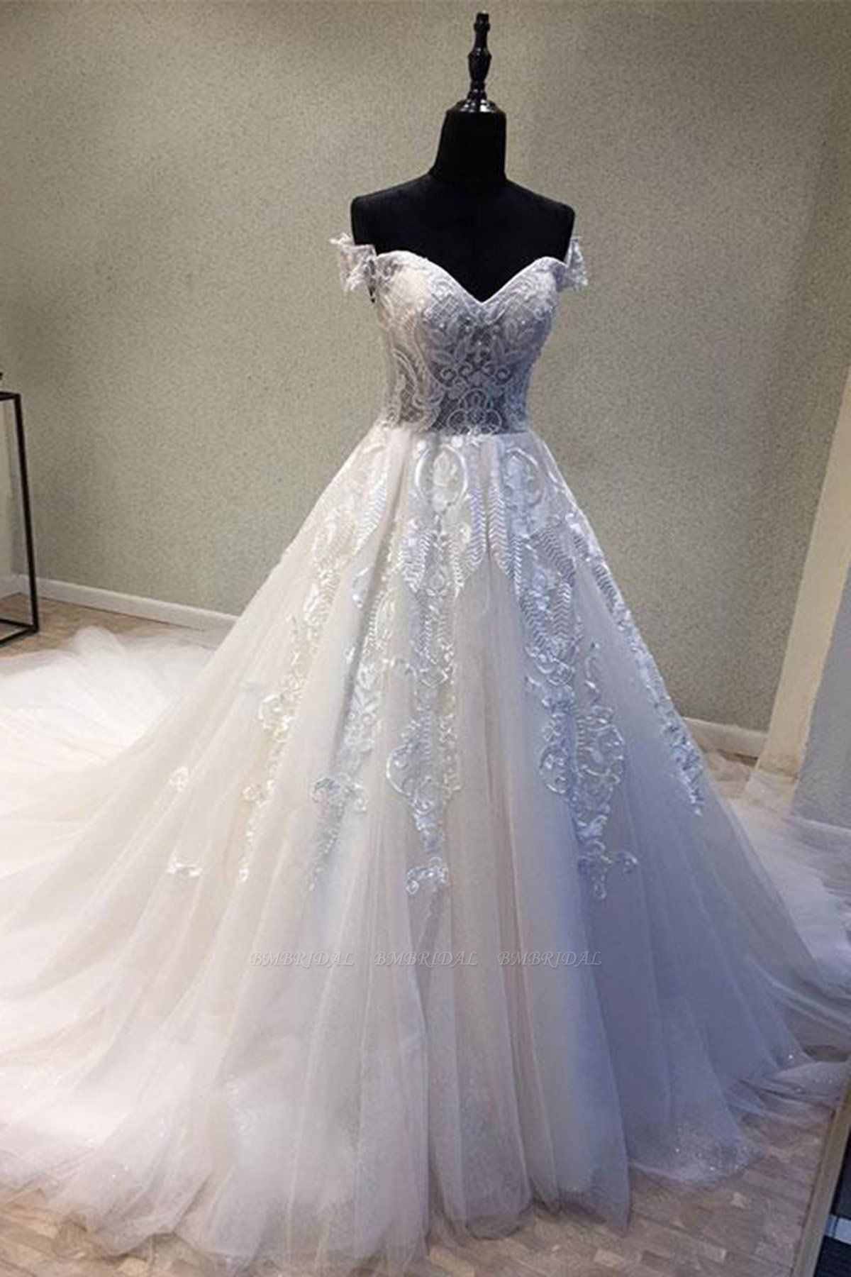 BMbridal Glamorous Sweetheart Sleeveless Wedding Dress Off Shoulder Sweep Train Bridal Gowns On Sale