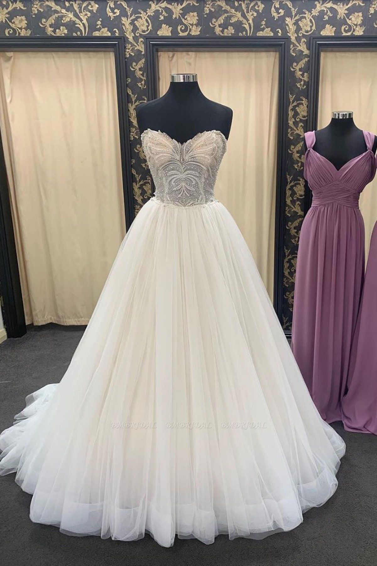 BMbridal Chic Ivory Sweetheart Long Lace Up Wedding Dress Crystal Appliques Bridal Gowns On Sale