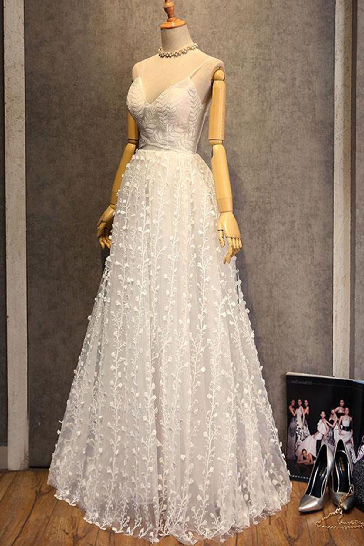 BMbridal Gorgeous Sweetheart Long Spaghetti Straps Wedding Dress Sleeveless Appliques Bridal Gowns On Sale