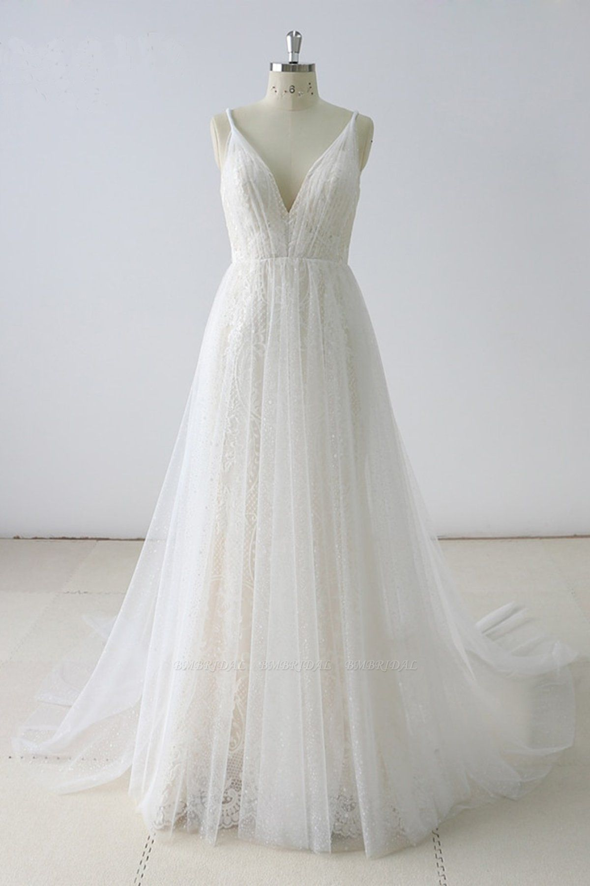 BMbridal Gorgeous Simple White Lace V-Neck Long Wedding Dress Sleeveless Appliques Bridal Gowns On Sale