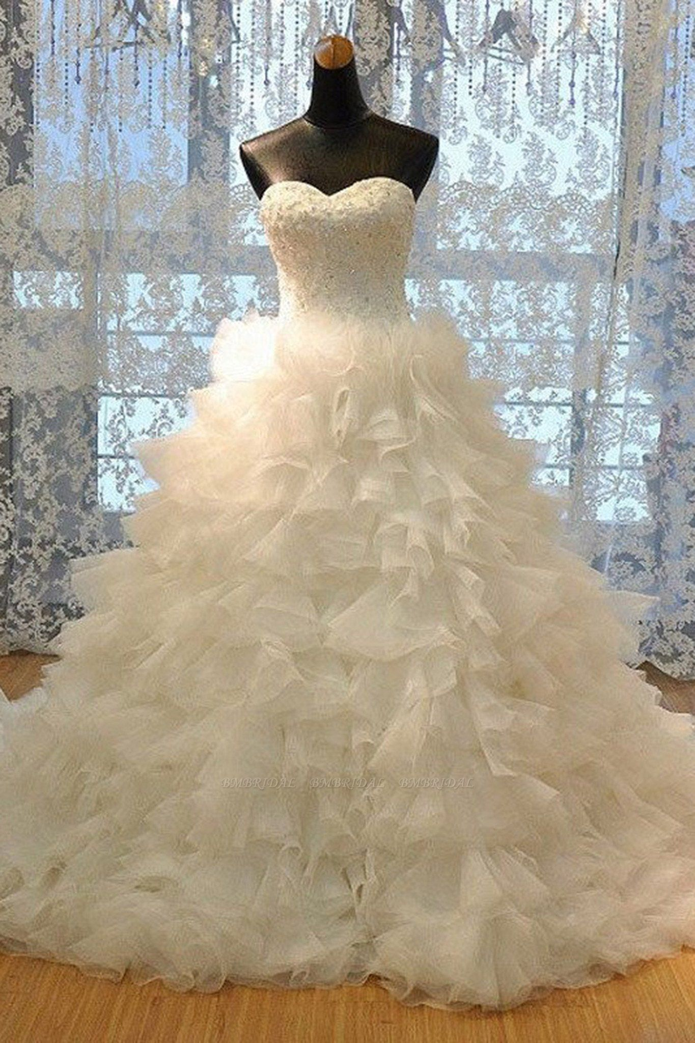 BMbridal Gorgeous Sweetheart Lace Appliques Wedding Dress Tulle Ruffles Bridal Gowns