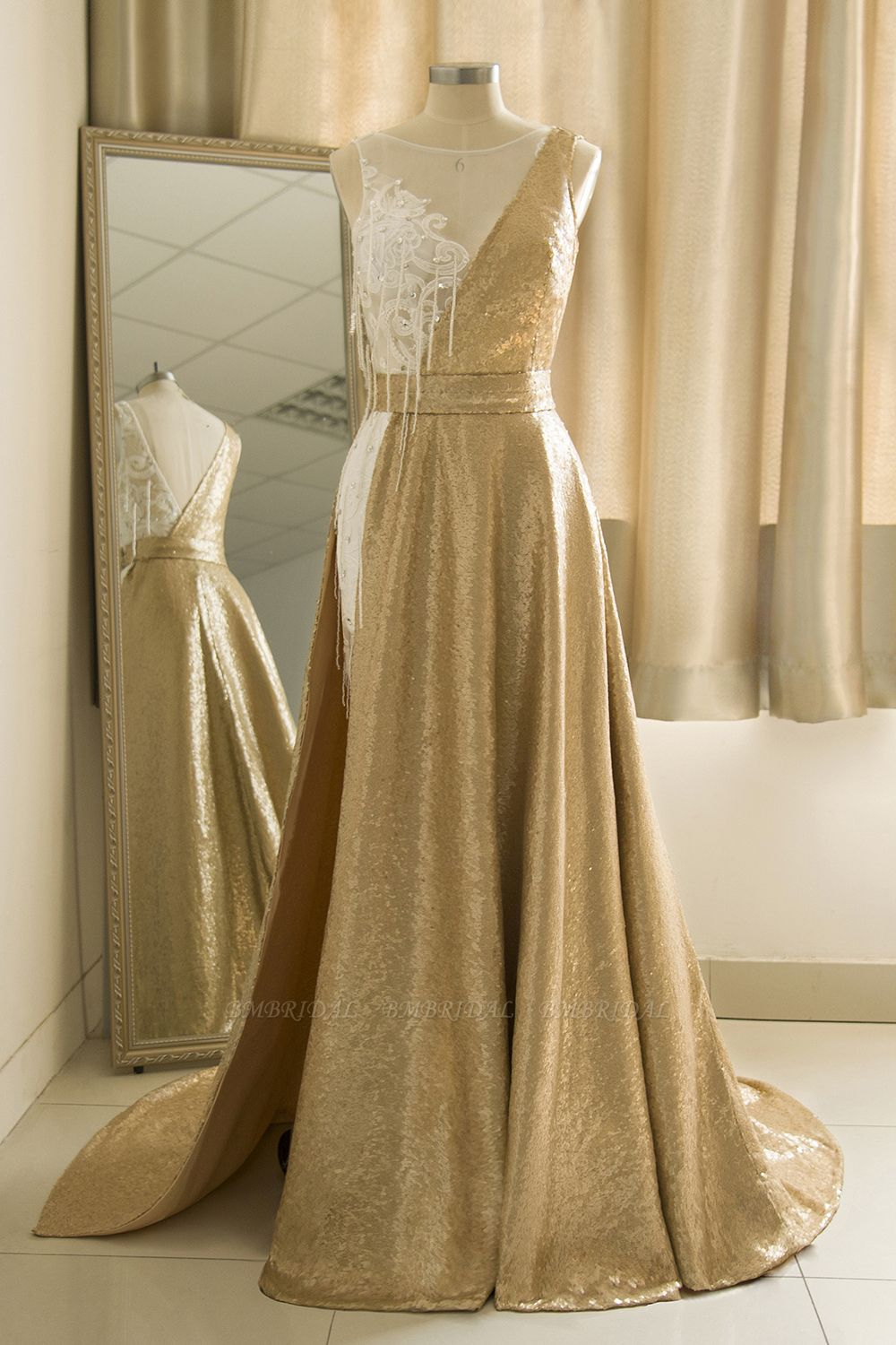BMbridal Stylish Jewel Gold Sequined A-Line Prom Dresses Sleeveless White Appliques Evening Dress with Beadings