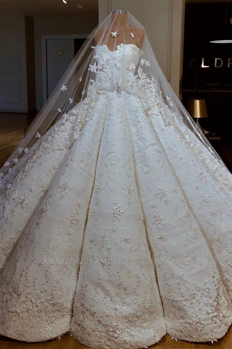BMbridal Sexy Sweetheart A-line Satin Wedding Dresses With Appliques White Ruffles Lace Bridal Gowns Online