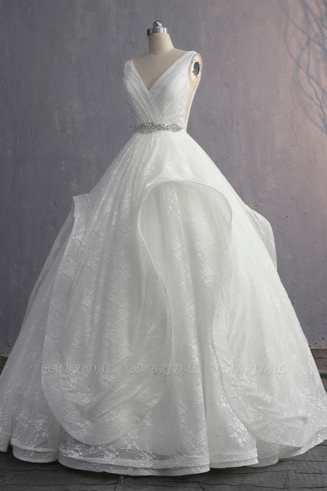 BMbridal Unique V-Neck Ruffles Lace White Wedding Dress Appliques Sleeveless Bridal Gowns with Beadings On Sale