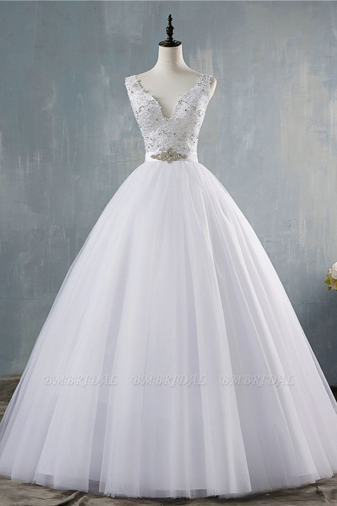 BMbridal Chic Starps V-Neck Beadings Tulle Wedding Dress Sleeveless Appliques Bridal Gowns with Rhinestones