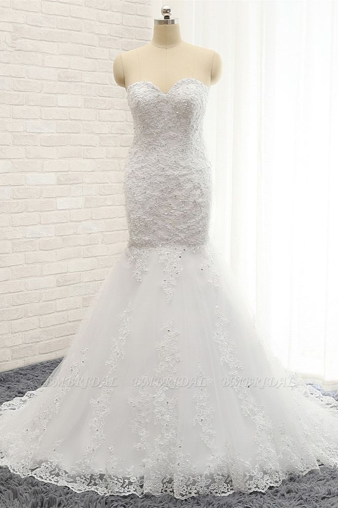 Affordable Strapless Tulle Lace Wedding Dress Sleeveless Sweetheart Bridal Gowns with Appliques On Sale