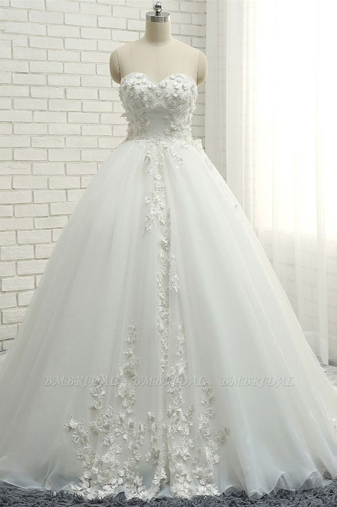 Gorgeous Sweatheart White Wedding Dresses With Appliques A line Tulle Ruffles Bridal Gowns Online