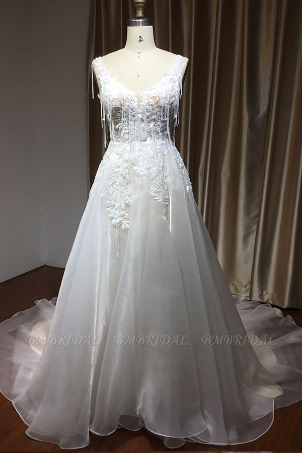 BMbridal Chic V-neck Lace Wedding Dress Sleeveless Online