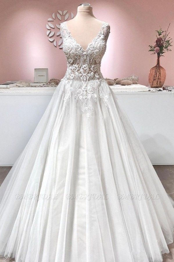 BMbridal Sleeveless Lace Appliques Wedding Dress Long With V-Neck