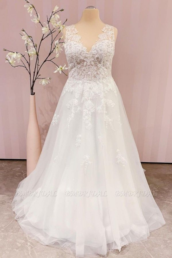 BMbridal Delicate Lace V-Neck Long Wedding Dress Sleeveless