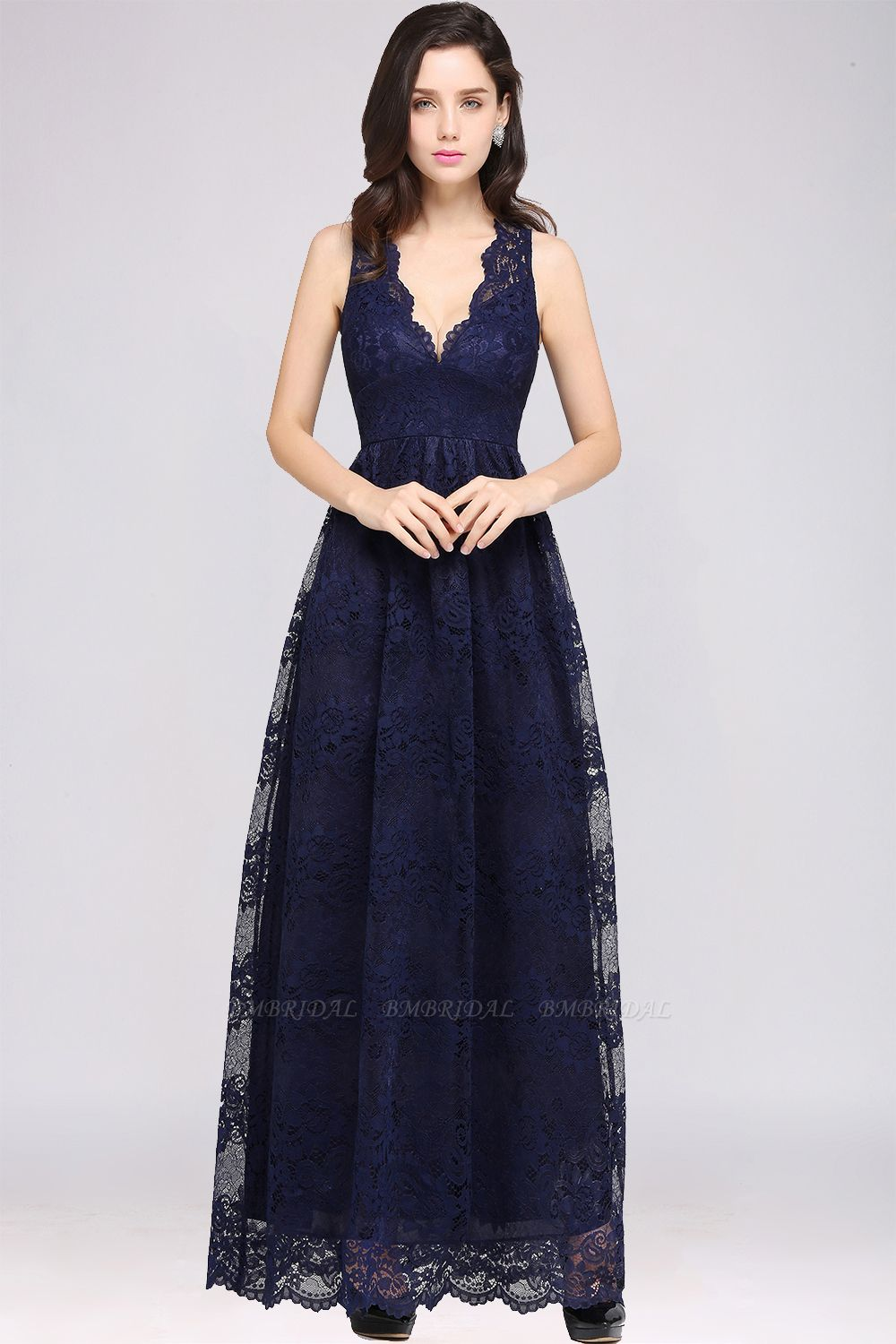 Chic Sheath V-Neck Navy Lace Bridesmaid Dresses Online In Stock
