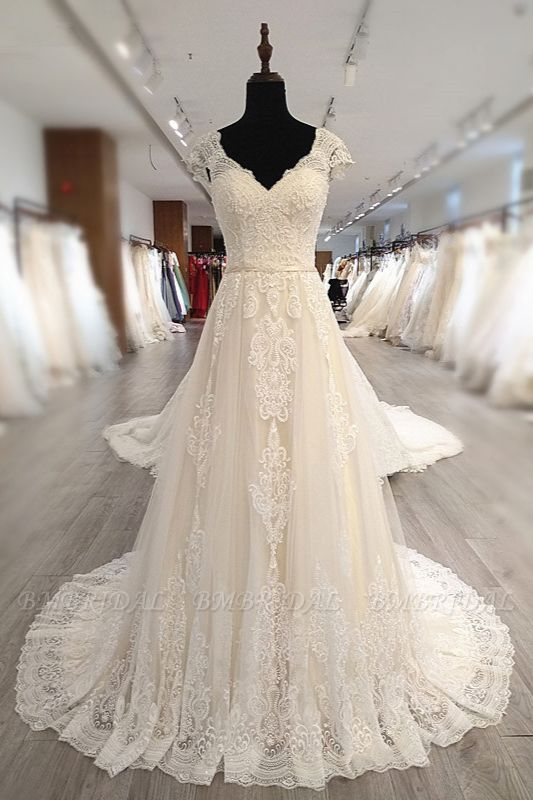 BMbridal Gorgeous V-Neck Cap Sleeves Tulle Wedding Dress Lace Appliques Ruffle Bridal Gowns Online