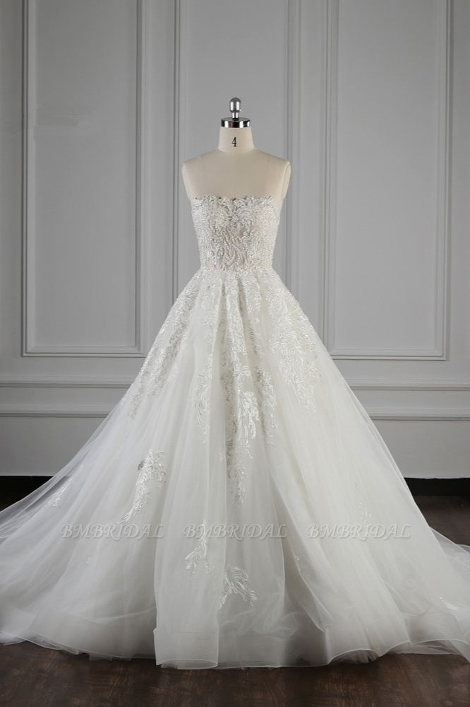 Elegant Strapless White Lace Wedding Dress Sleeveless Appliques Ruffle Bridal Gowns Online