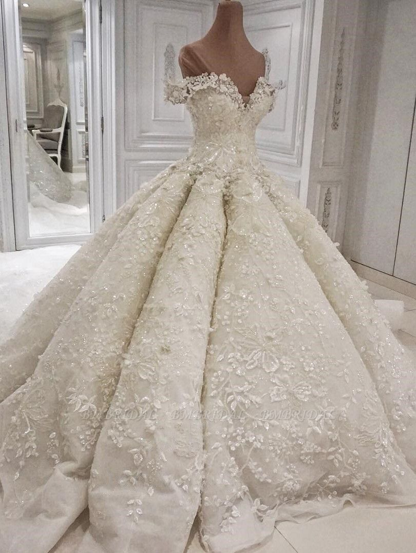 Sexy V-neck Off-the-shoulder White Wedding Dresses With Appliques A-line Ruffles Bridal Gowns On Sale