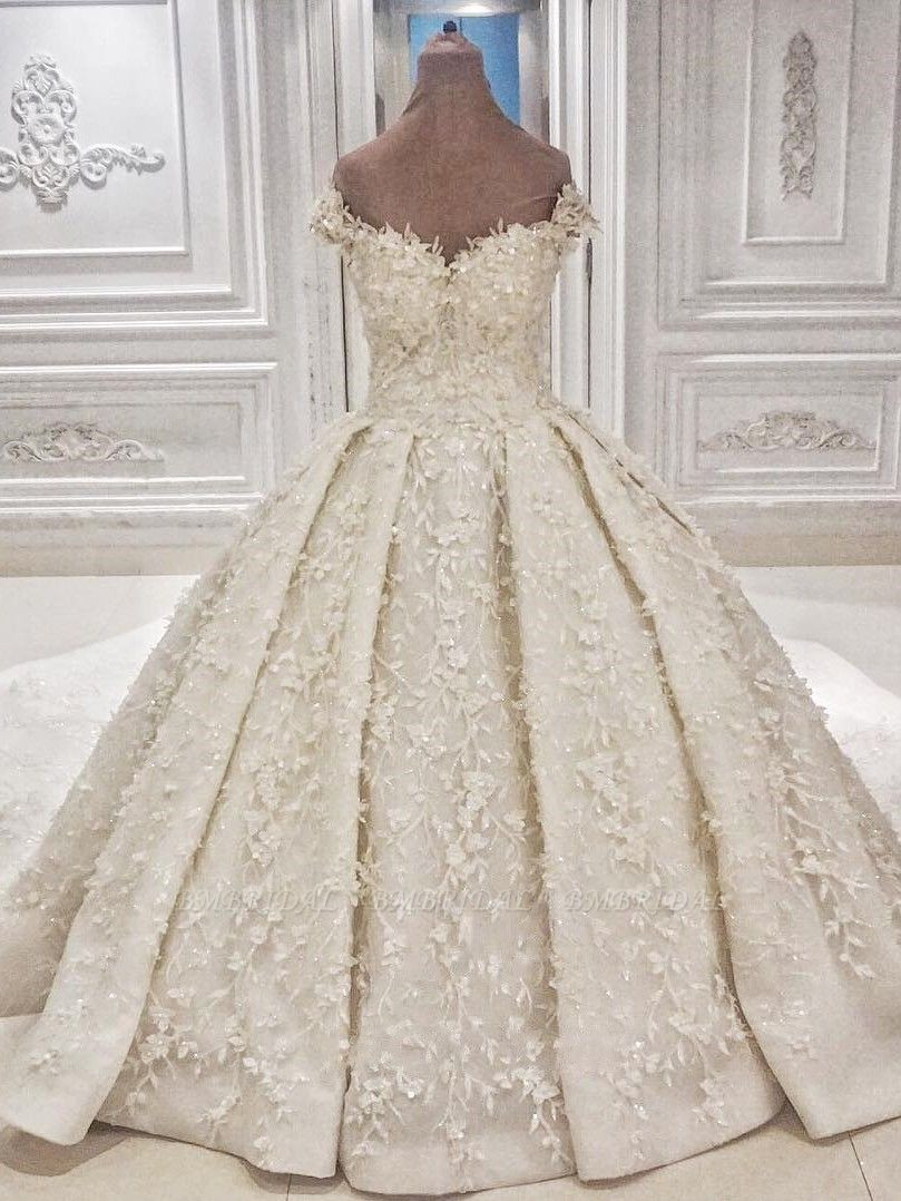 Chic Off-the-shoulder A-line White Wedding Dresses Satin Ruffles Lace Bridal Gowns With Appliques Online