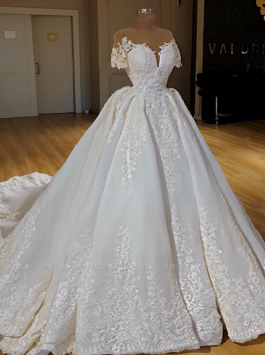 Elegant Jewel Shortsleeves A-line Wedding Dresses White Ruffles Lace Bridal Gowns With Appliques On Sale