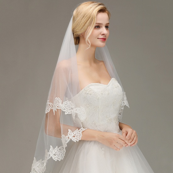 BMbridal Lace Applique Two Layers Wedding Veils With Comb_6
