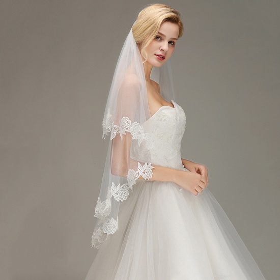 Lace Applique Two Layers Wedding Veils With Comb_5