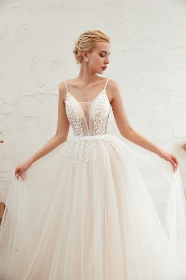 Chic Spaghetti Straps V-Neck Ivory Tulle Wedding Dresses with Appliques_11