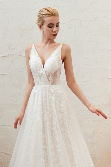 Affordable Tulle V-Neck Long Wedding Dress Online with Appliques_8