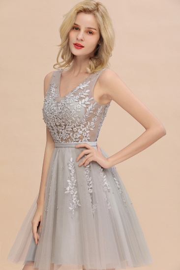 Elegant V-Neck Sleeveless Short Prom Dress Mini Homecoming Dress With Lace Appliques_14