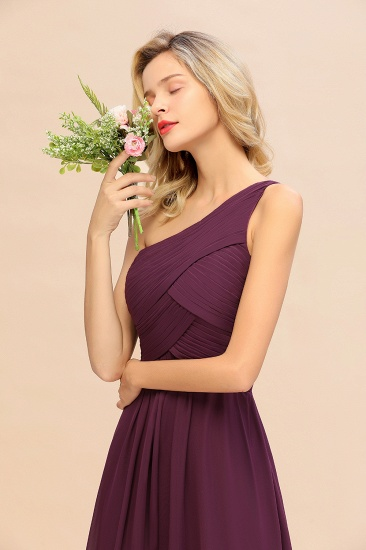 Chic One Shoulder Ruffle Grape Chiffon Bridesmaid Dresses Online_56